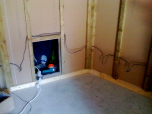 This is the Mac hidey-hole, which will be sound-insulated and allow Mac fan heat to escape into the void.