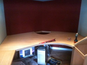 And here's the curved area. The straighter part on the left is deliberate - it's cut to the width of the M1F desk.
